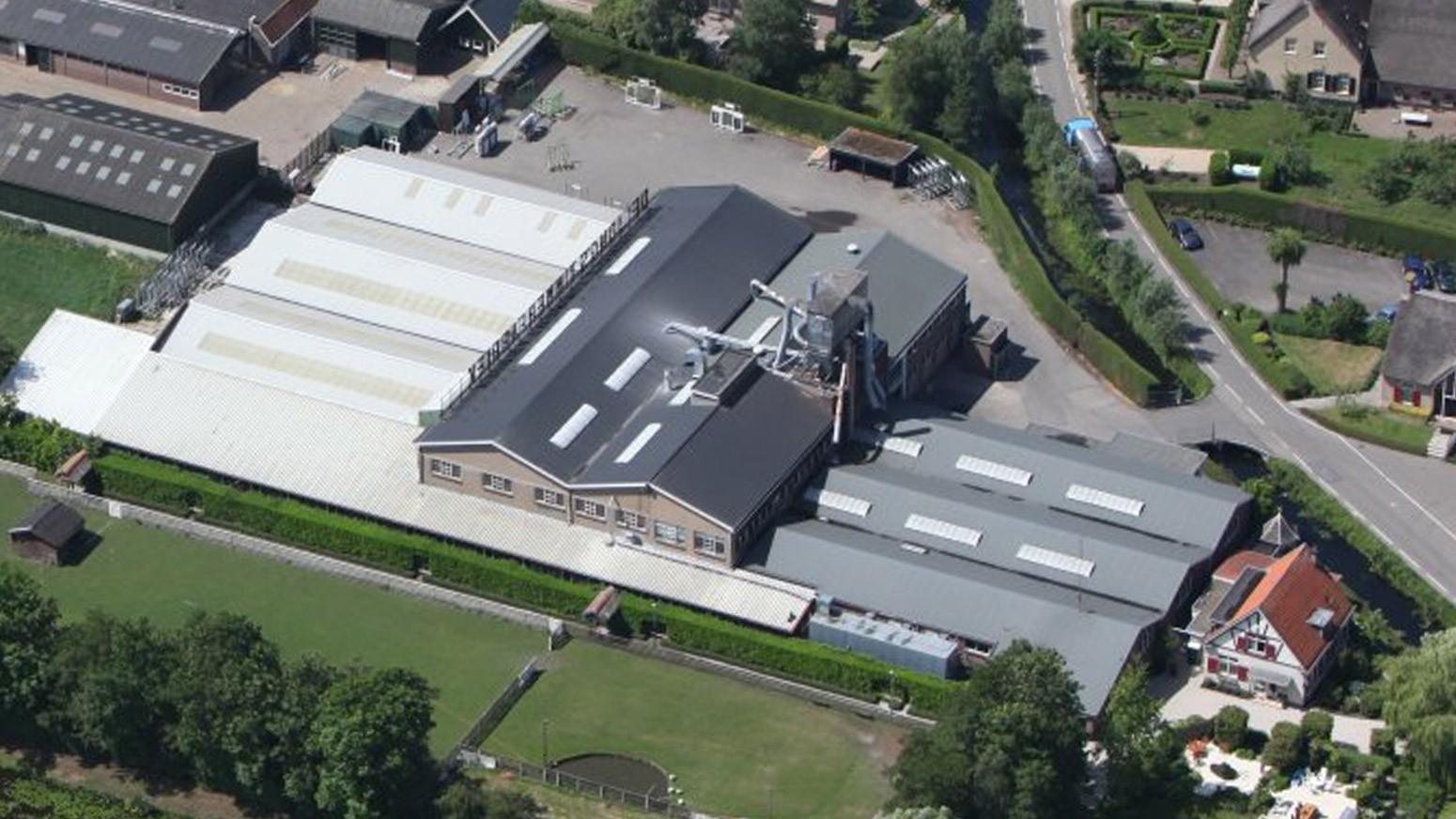 Bovenaanzicht Van De Jong's Timmerfabriek In Bergambacht