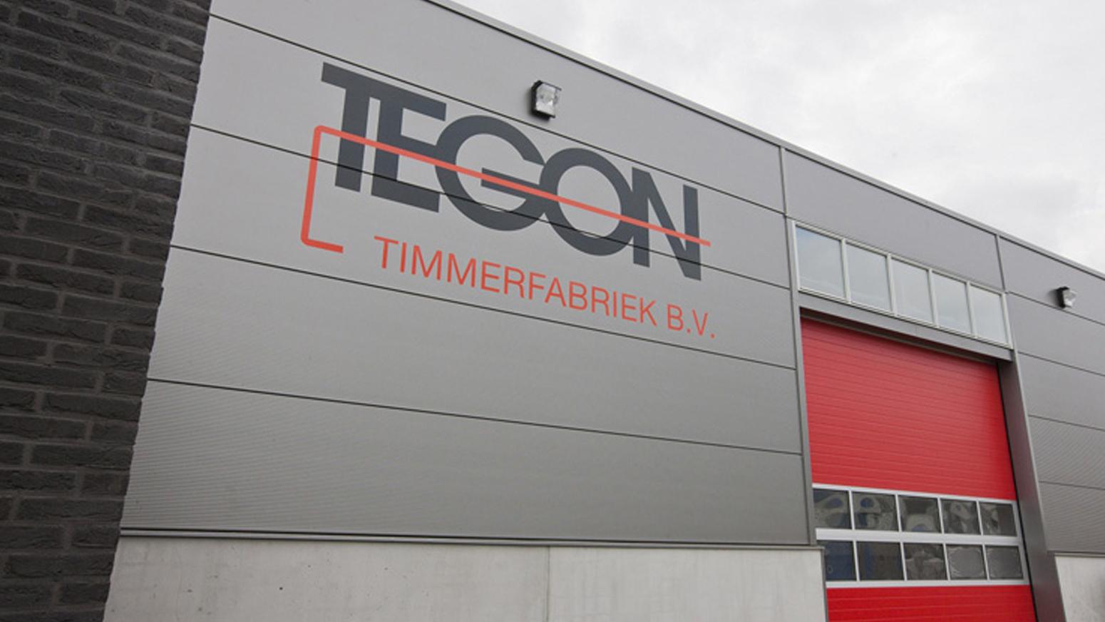 Buitenzijde gebouw Tegon Timmerfabriek BV